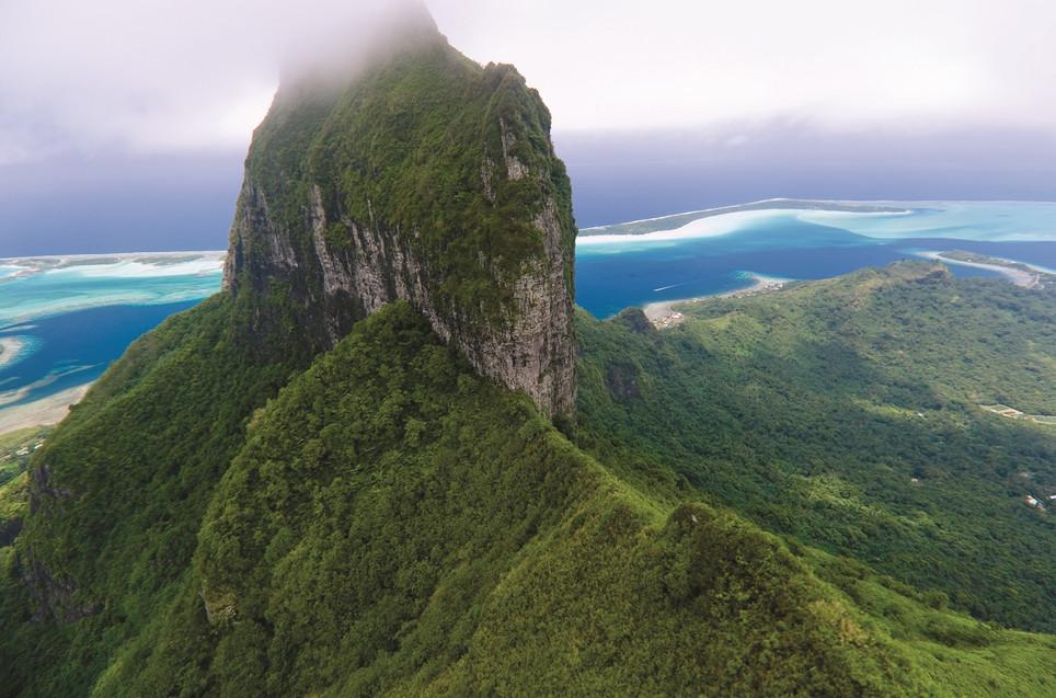 Four_Seasons_Resort_Bora_Bora-Mount_Otemanu