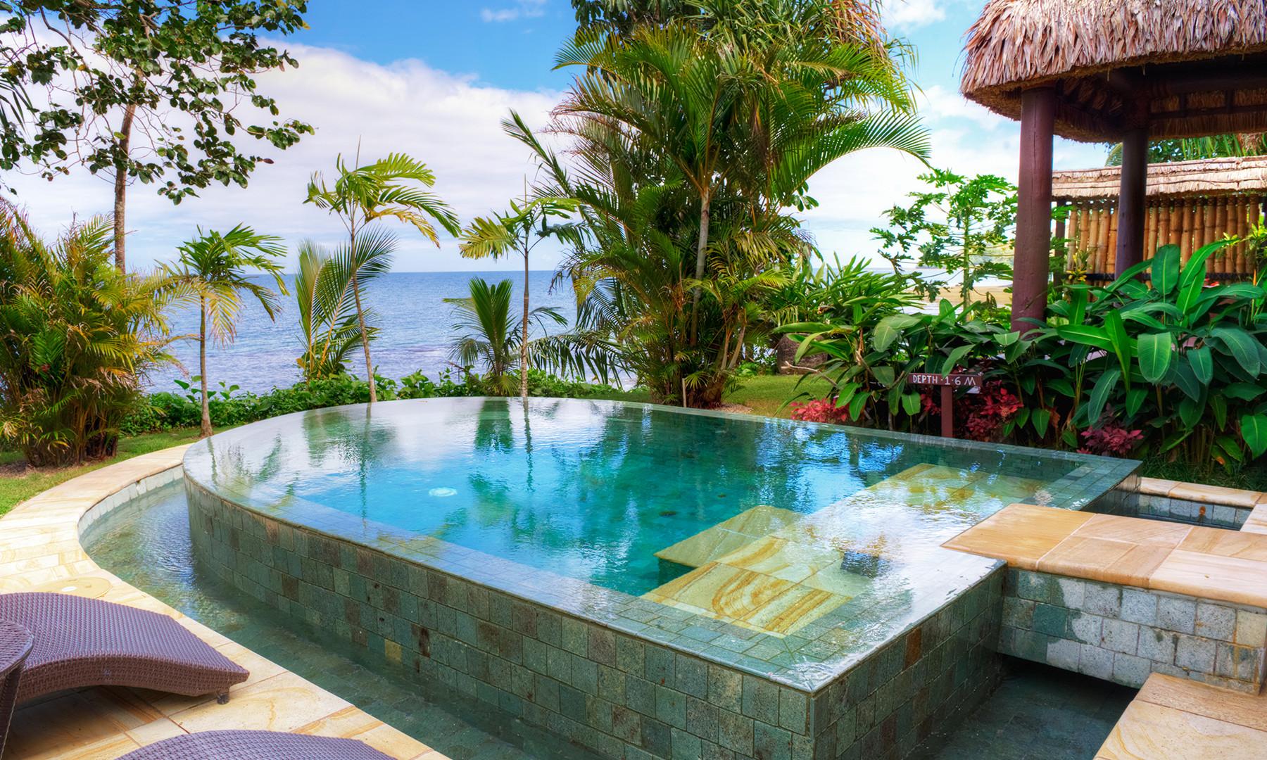 Nanuku_Auberge_Resort-Beachfront Pool_Villa