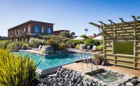 Hapuku-Lodge_&_Tree_Houses-Swimmingpool-