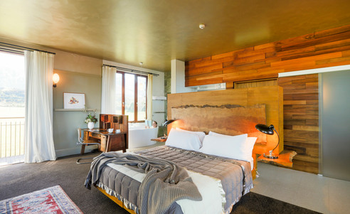 Hapuku-Lodge_&_Tree_Houses-Lodge_Room