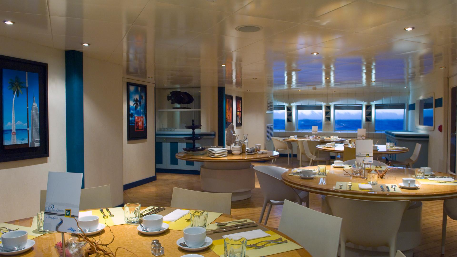 haumana_cruise-restaurant