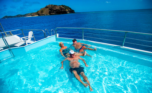 Blue_Lagoon_Cruises-pool