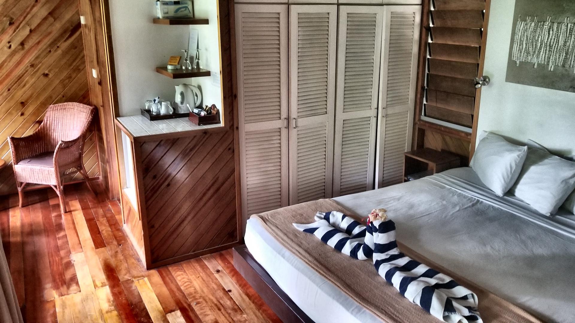 Wananavu-Beachfront_Honeymoon-Villa