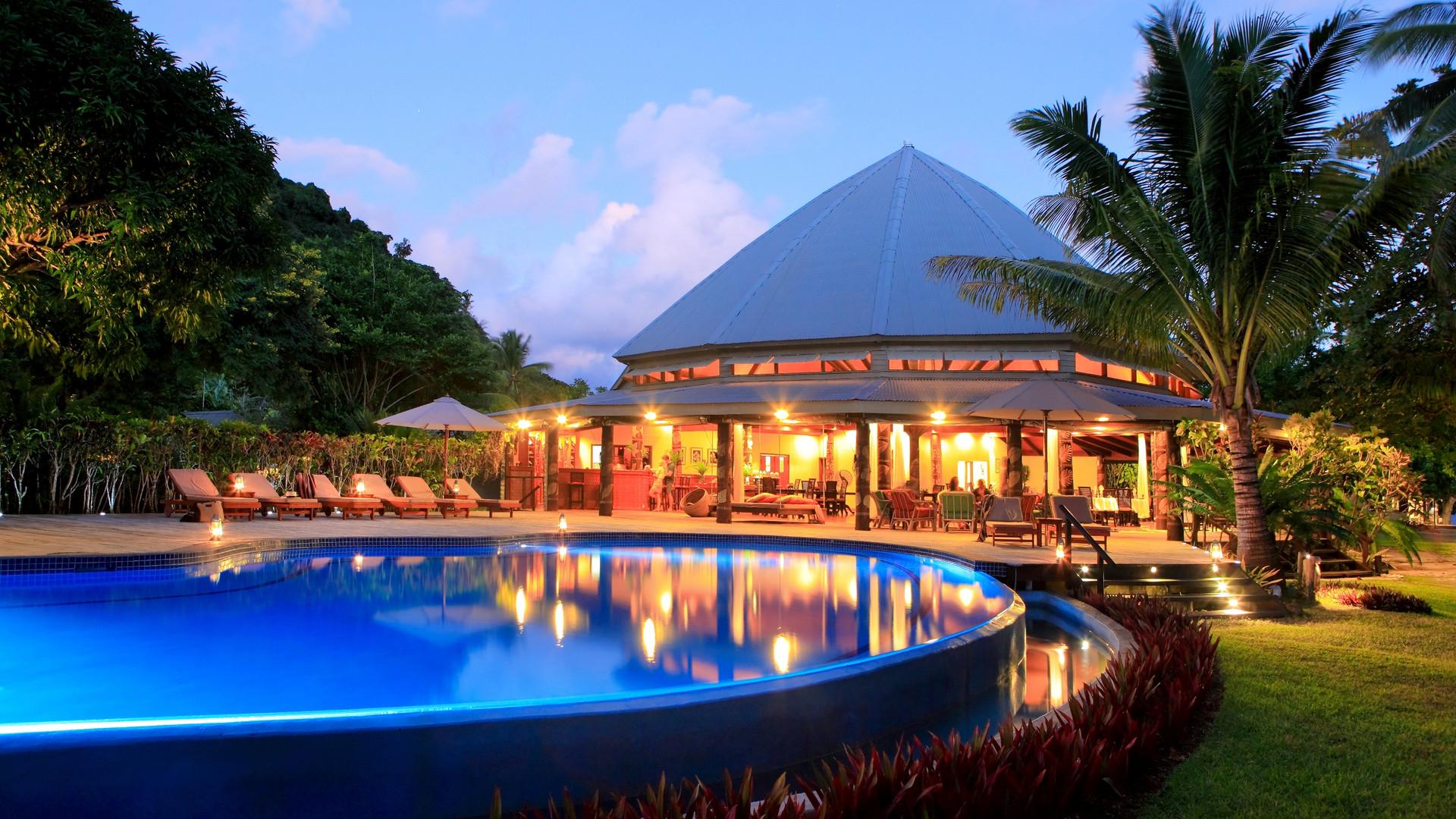 Matangi_Island_Resort-Pool