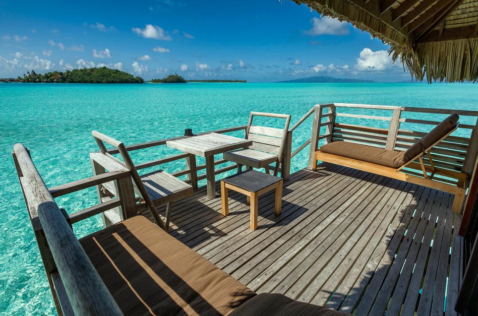 InterContinental_Bora_Bora_Le_Moana_Resort-Overwater_Bungalow-Terrasse