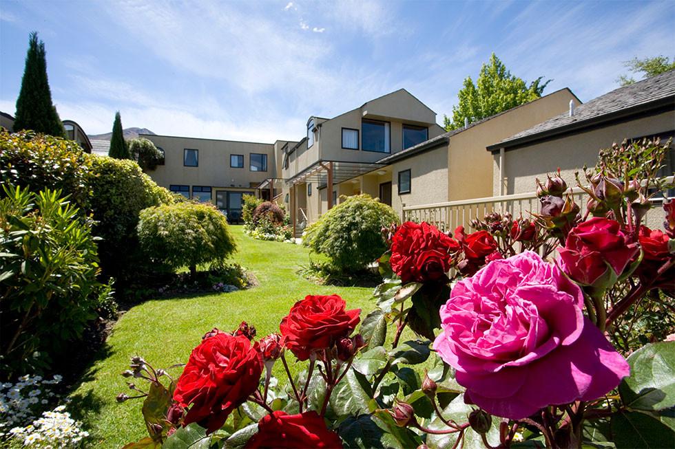 Garden_Court_Suites_Apartments2