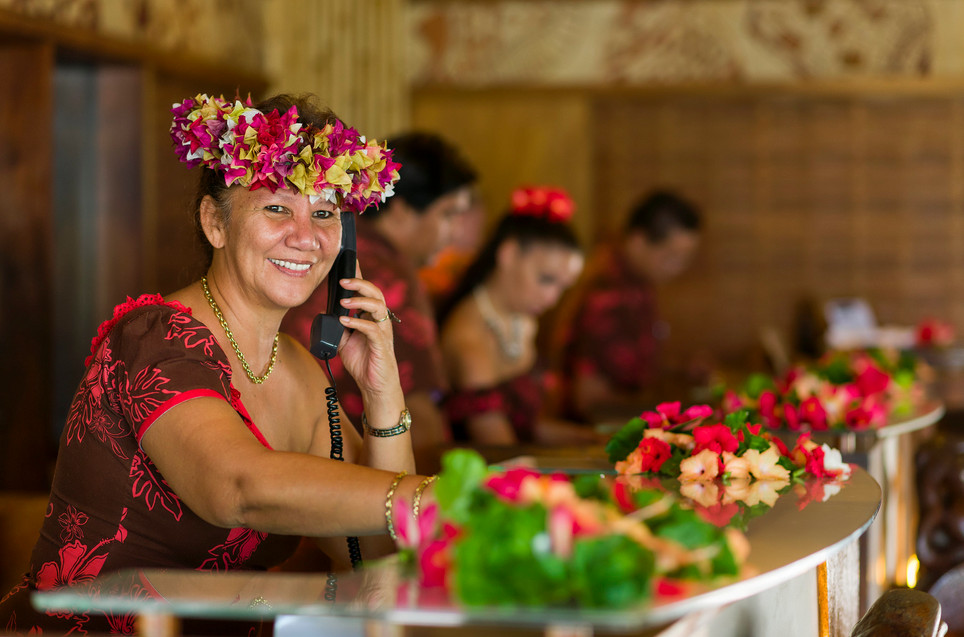 InterContinental_Bora_Bora_Le_Moana_Resort-Rezeption_Staff