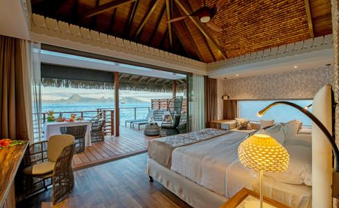 Intercontinental_Tahiti-Overwater_Bungalow