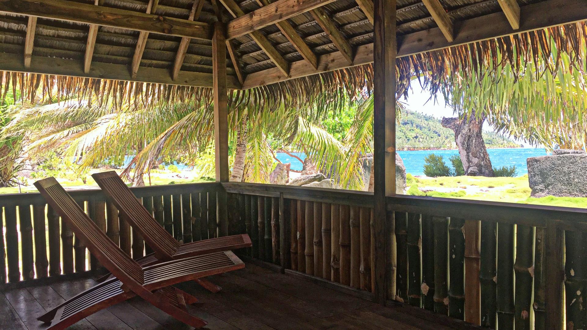 Huahine-Moana_Lodge-Balkon
