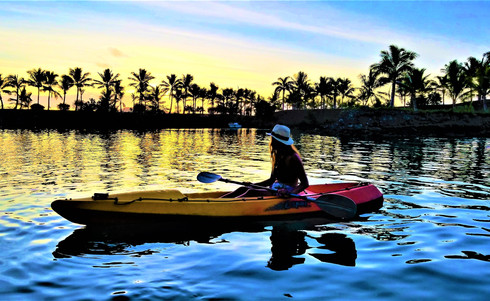 Wananavu-Kayaking