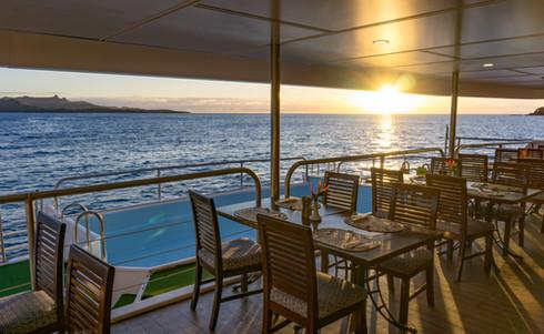 Blue_Lagoon_Cruises-Restaurant