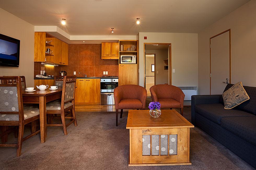 One_Bed_Courtyard-Küche-Sitzbereich