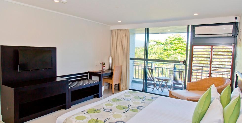 Tanoa_Tusitala_Hotel-Deluxe_King_room