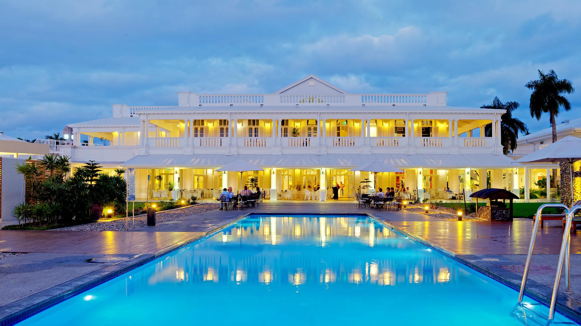 Suva-Grand_Pacific_Hotel-Pool