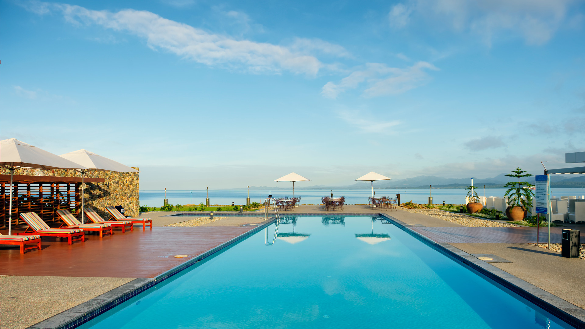 Suva-Grand_Pacific_Hotel-Pooldeck