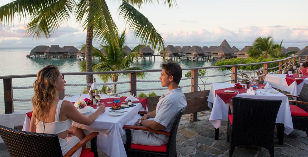 Hilton_Moorea_Lagoon_Resort-Restaurant