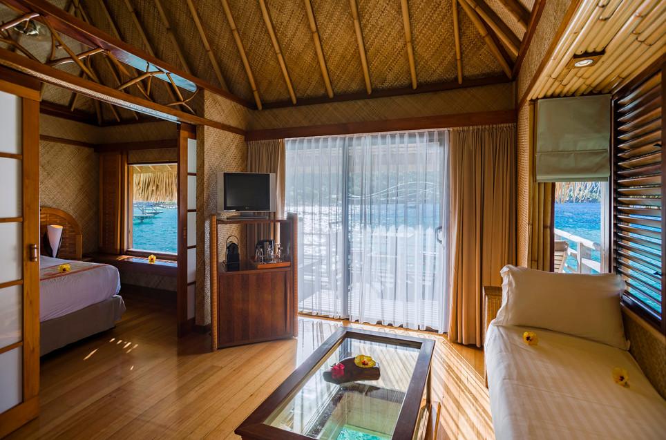 InterContinental_Bora_Bora_Le_Moana_Resort-Overwater_Bungalow-Innen