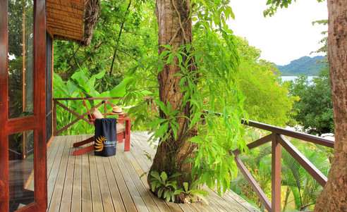 Matangi_Island_Resort-Treehouse_Deck