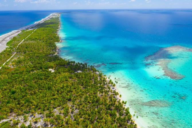 Lagune im Tuamotu Atoll