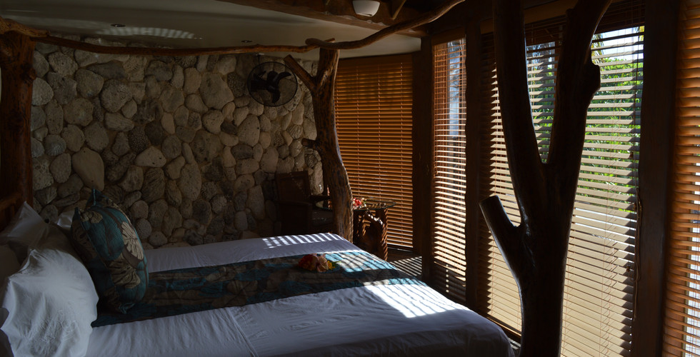 Aitutaki_Escape-Villa-Beachfront_bedroom