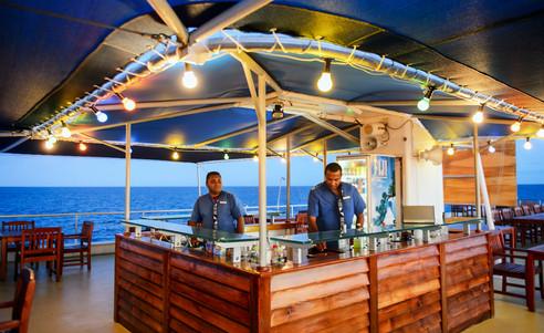 Blue_Lagoon_Cruises-bar