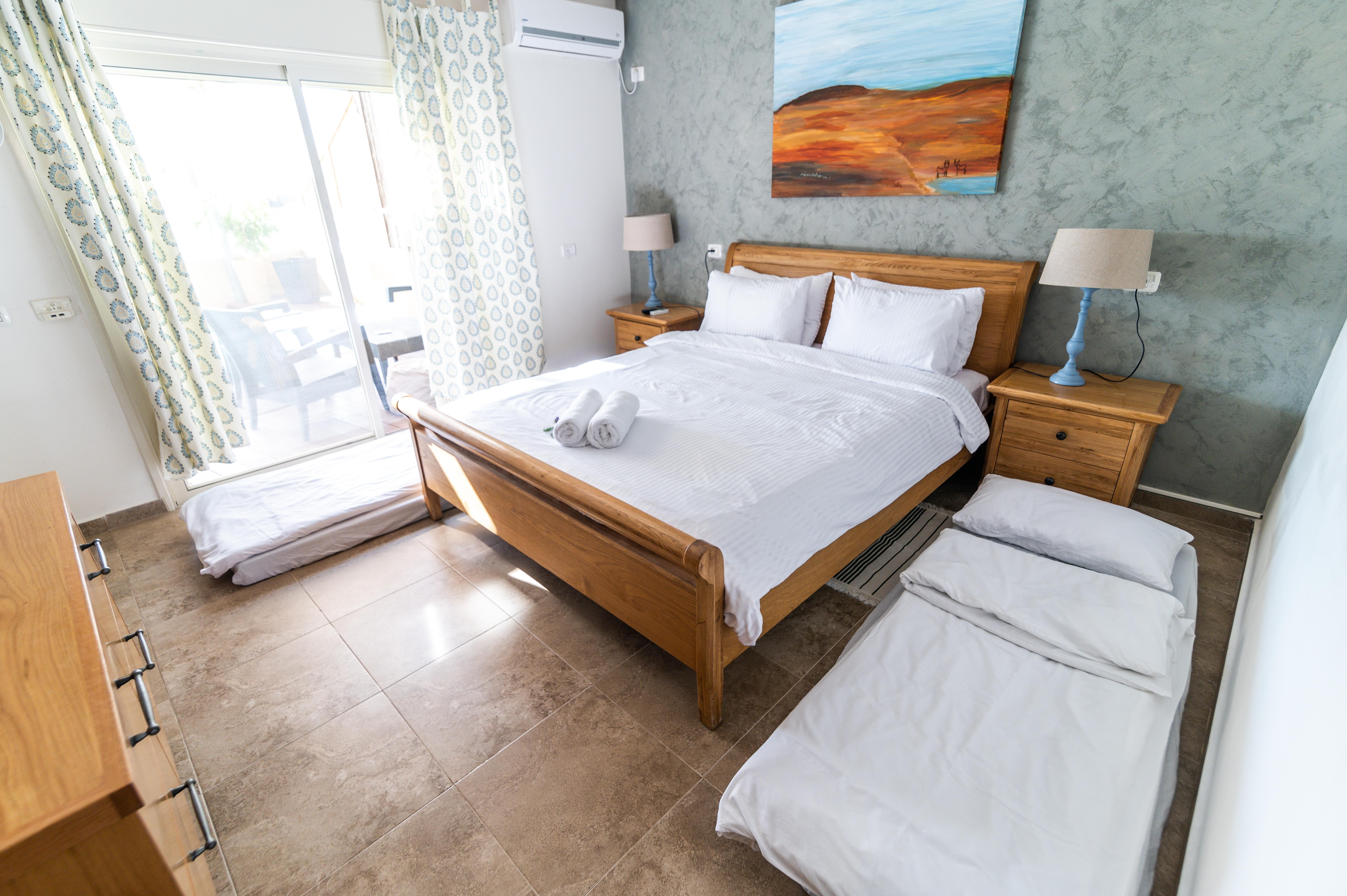 נחל פארן 32 - חדר עם תוספת מזרנים