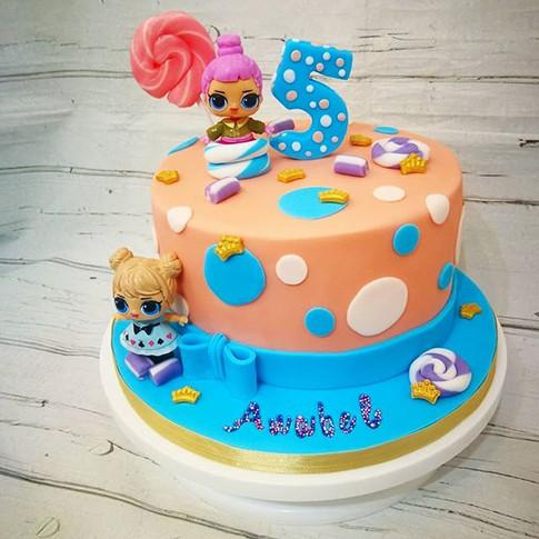 LOL dotty cake