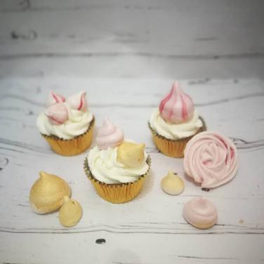 Merignue cupcakes