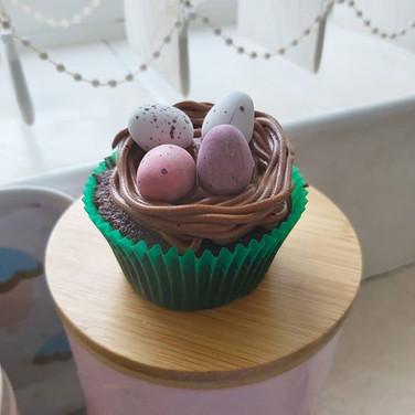Chocolate nest cupcakes