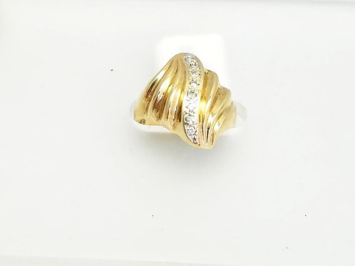 "14k Yellow Gold ""SHELL"" Design &  Diamond Ring"