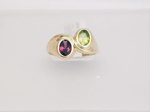 14k Yellow Gold, Peridot & Garnet Ring