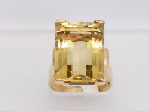 10k Yellow Gold & Citrine Ring