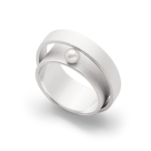 Sterling Silver & Pearl Ring