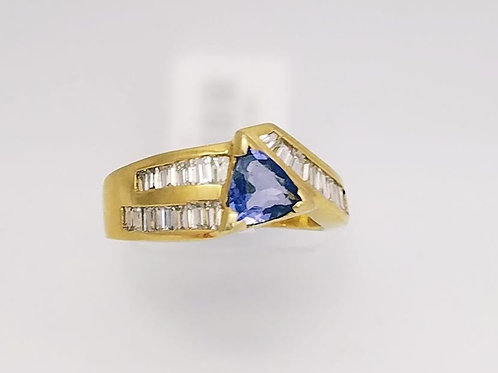 18k Yellow Gold, Tanzanite & Diamond Ring