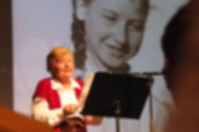 Esther Hocherman bei ihrer Rede im Kulturzentrum, Herne, 27. Januar 2015 (Foto: Michael Paternoga)