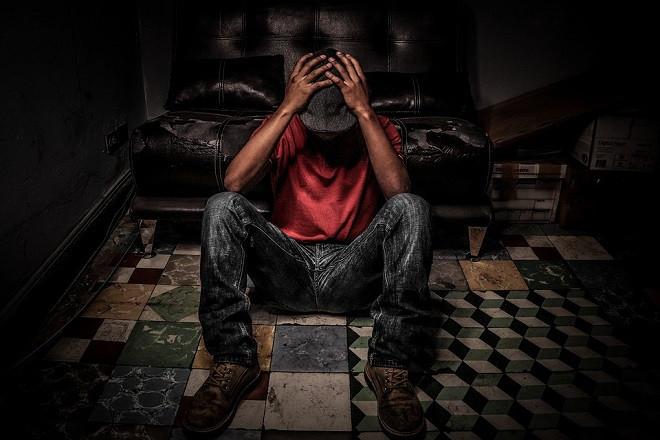 Consumidor de droga en narcopiso