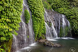 68185426-belle-cascade-de-banyumala-à-b