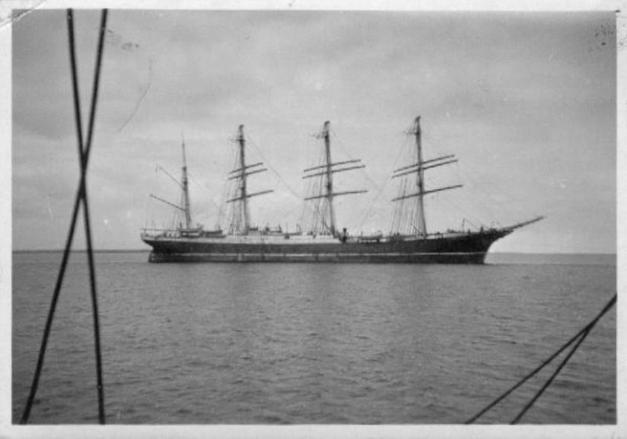 schooner.jpg