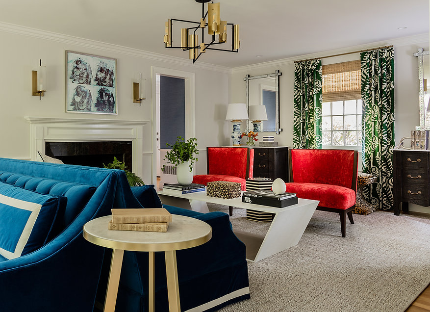 Eclectic living room designed by Robin G