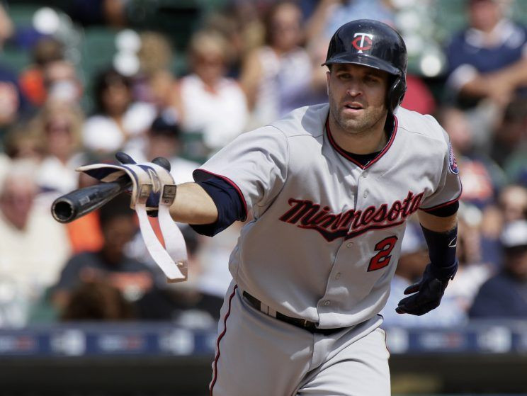 https://sports.yahoo.com/news/hot-stove-digest-twins-request-best-and-final-offers-for-brian-dozier-040708050.html