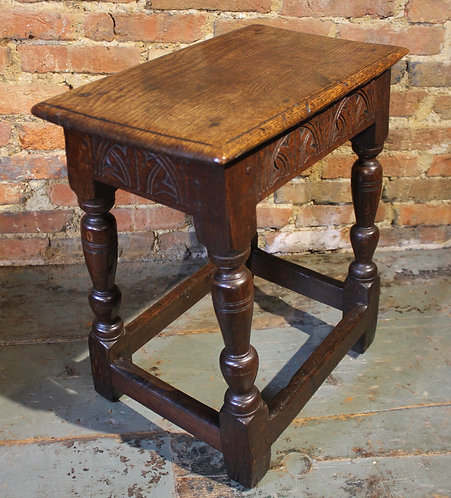 Good quality 17th century joint stool