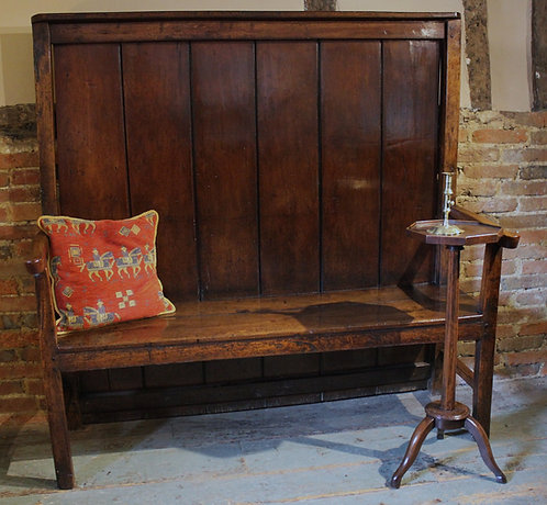 Late 18th century oak and pine settle