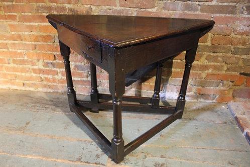 Rare 17th century corner gateleg table