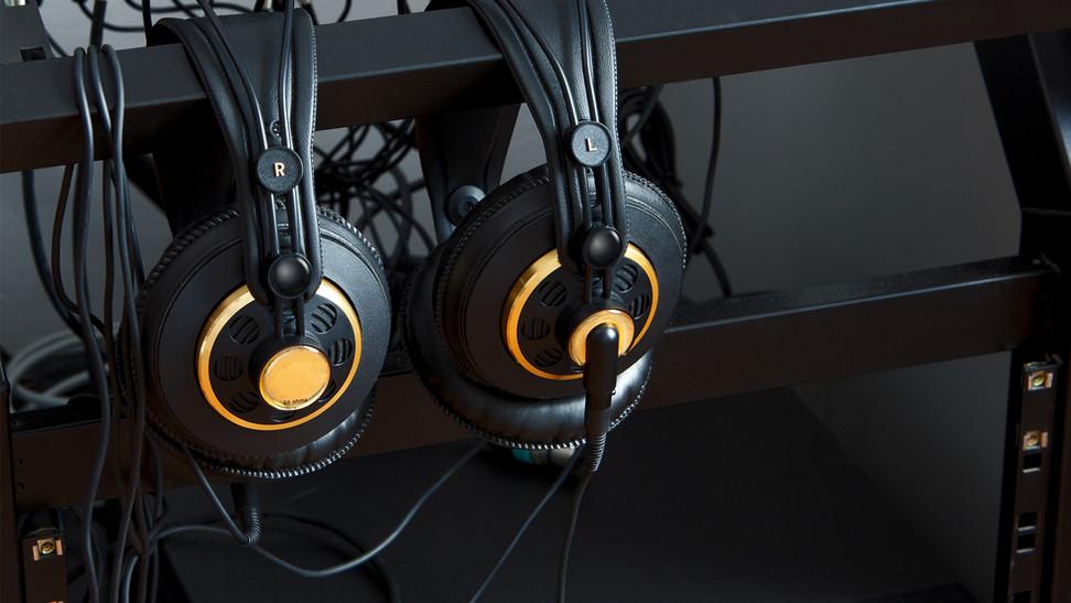 BEST Headphones for Gaming? Sennheiser HD 598 vs Audio Technica M50