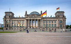 The Reichstag building in Berlin_ German