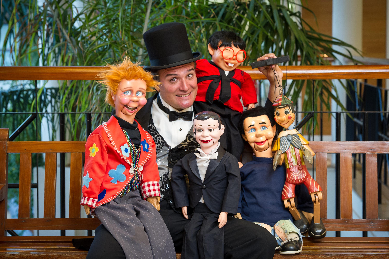 03-08 A magia dos bonecos 1