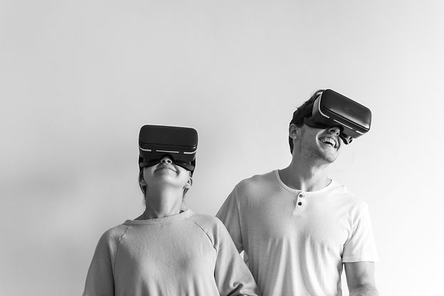 white-couple-experiencing-virtual-reality-with-vr-headset.jpg
