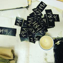 runes . ._._._._._