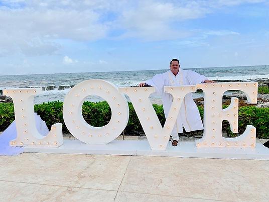 LOVE sign (1).jpg