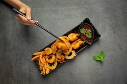 fried-shrimp-squid-with-spicy-sauce